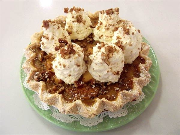 Treat of the Week - Pumpkin Cheesecake Praline Pie